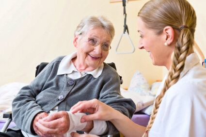 5-Ways-You-Can-Benefit-from-Certified-Nursing-Assistants-at-Home