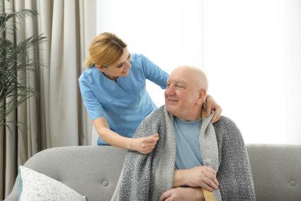Keeping Your Elderly Loved One Warm in Winter